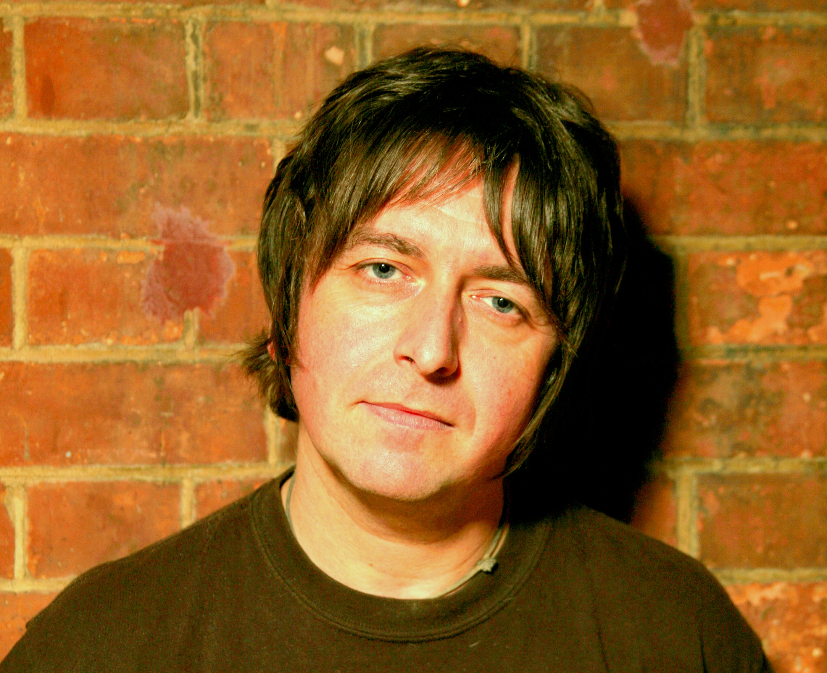 阿德里安・貝瑞(Adrian BERRY)|英國傑克遜巷藝術中心藝術總監