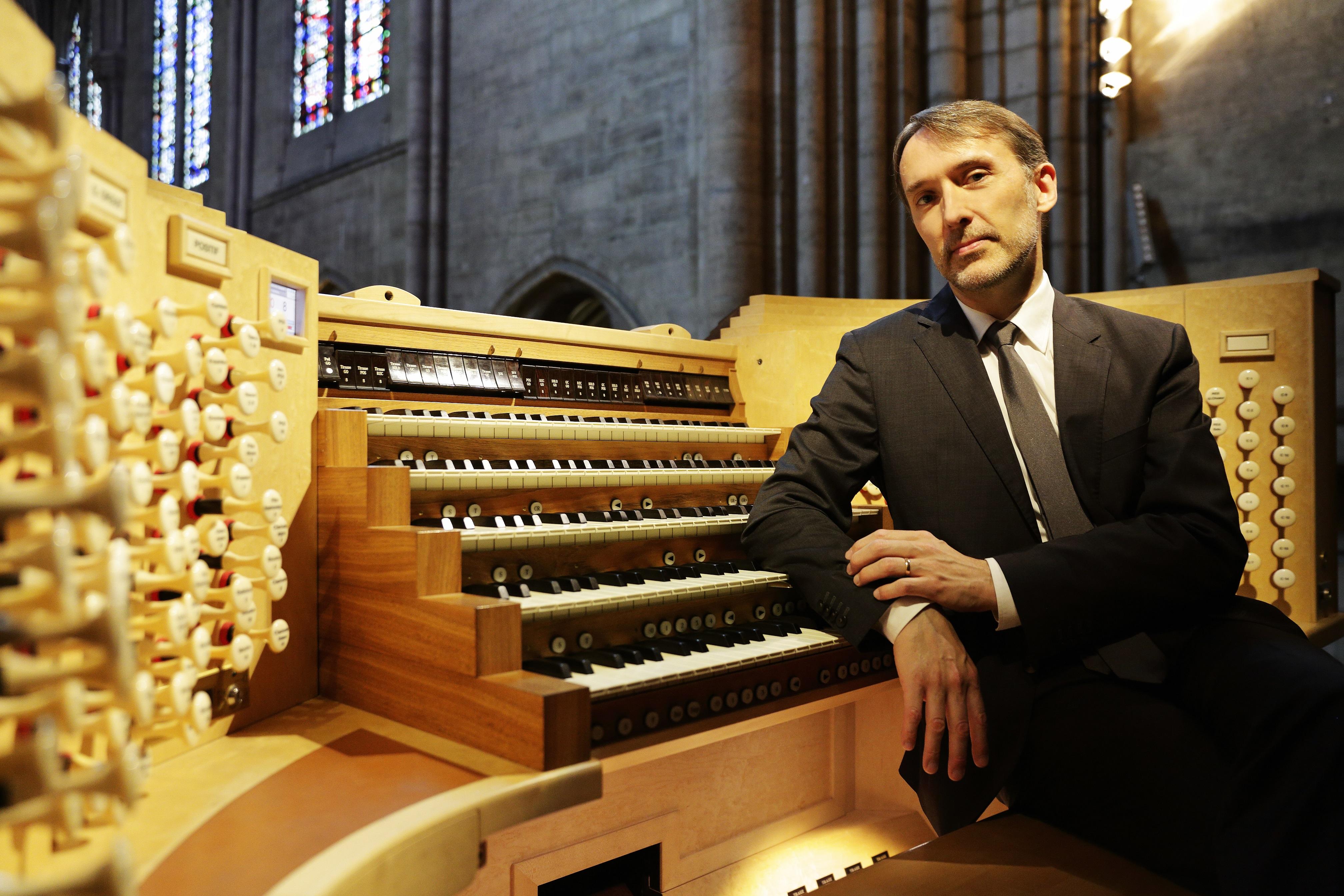 照片:法國管風琴名家拉特利